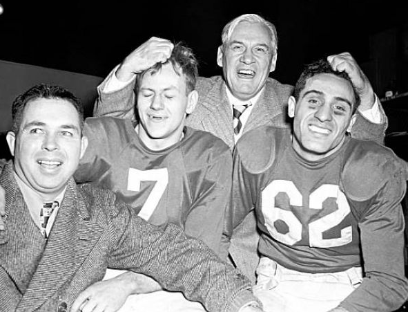 Conzelman pulling guys' hair, '46 title game