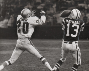 Miller Farr vs. Don Maynard