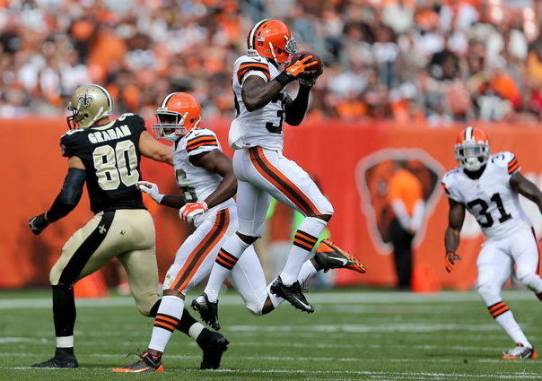 Gipson at the start of his 62-yard pick-six vs. Drew Brees and the Saints.