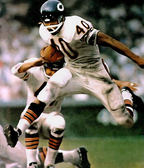 Gale Sayers on the loose.