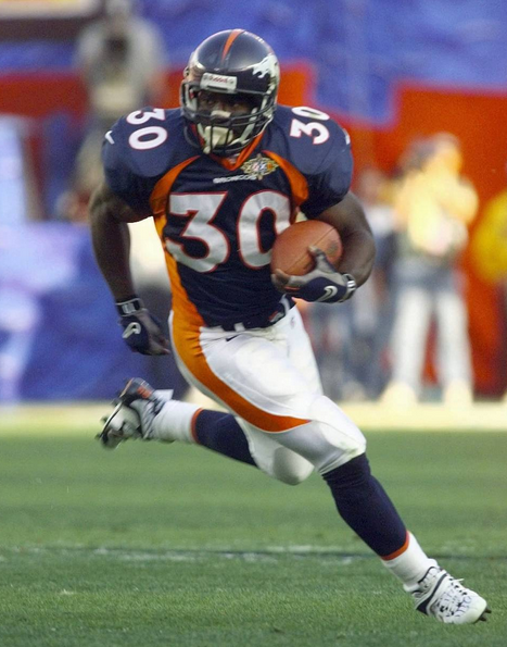 Terrell Davis in the open field in Super Bowl 32.
