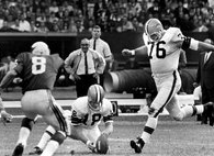 Lou Groza, doing what he did best.