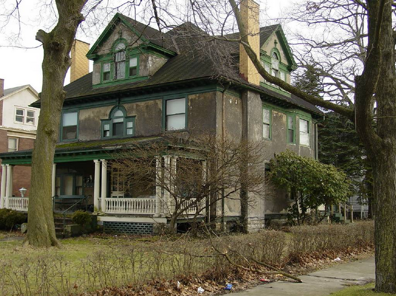 Thousands flocked to this house in Youngstown, Ohio, where Bonesetter Reese worked his magic.